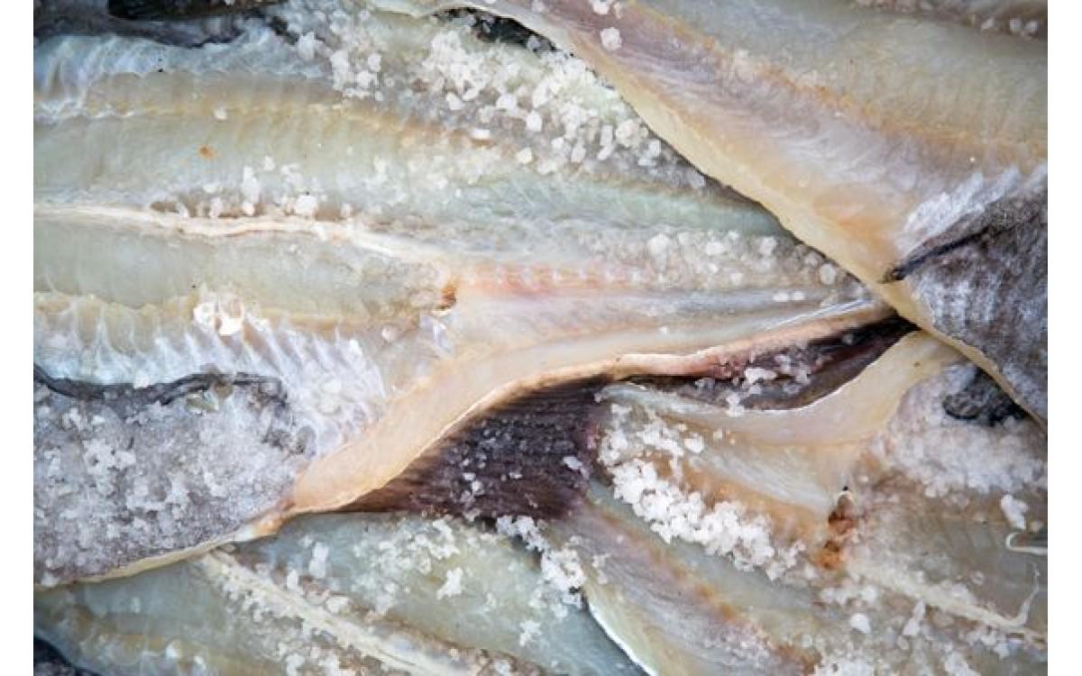 Solenie ryby przed wędzeniem - Metody solenia ryb